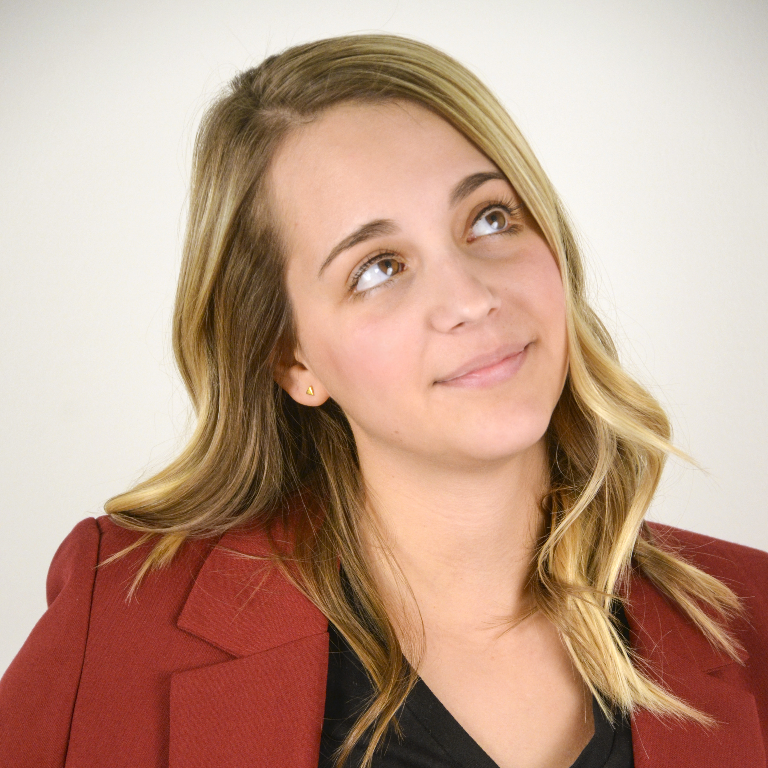 Lauren Koslosky  </br>Assistant Account Manager</br><h6>Whatever you are, be a good one.</h6>